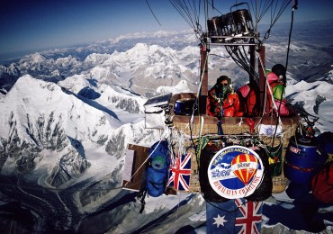 Balloon over Everest