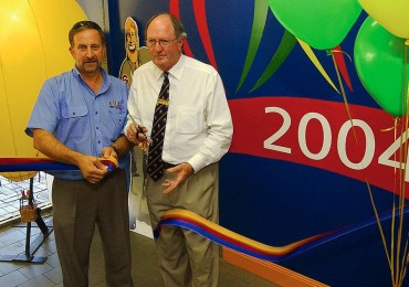 Flashback to 2004 and Kerry Frankel and Mildura Mayor Peter Byrne launch the 2004 World Hot Air Ballooning Championships.