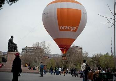 orange-hot-air-baloon-opera-house