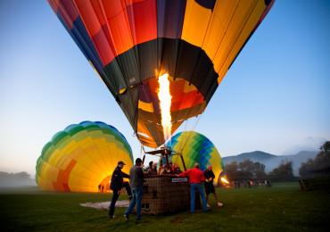 balloons-boarding-the-basket
